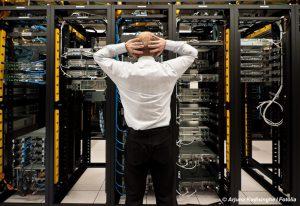 Netzwerktechnik - kein Grund zur Verzweiflung . Wir sagen Ihnen, welche Netzwerk Bestandteile erforderlich sind und bieten Ihnen eine Netzwerkkomponenten Übersicht. Ebenso erfahren Sie, wo Sie am besten Netzwerkkomponenten kaufen.
