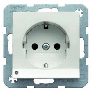 Elementarer Bestandteil jeder Haus Elektroinstallation: Steckdosen - sie müssen fachkundig verlegt und angeschlossen werden.
